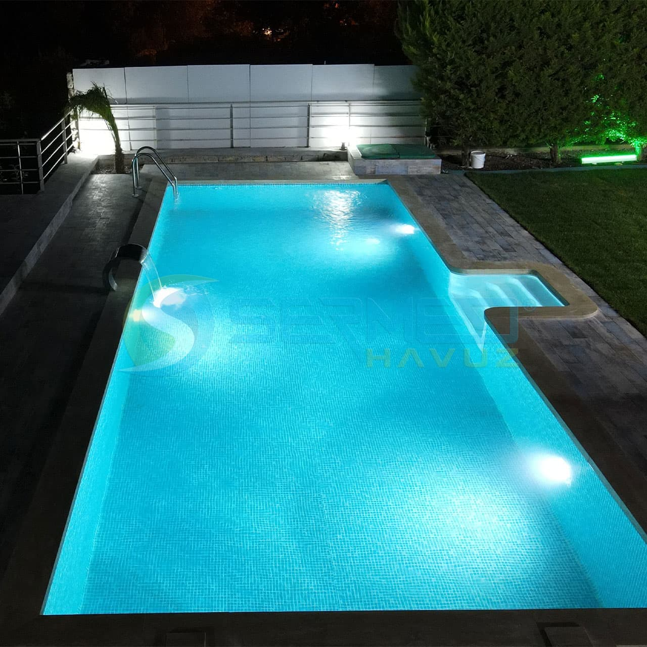 İzmir'de Saliha İpek Hanım Fipool Plus Havuz Sermed Havuz tarafından yapıldı.