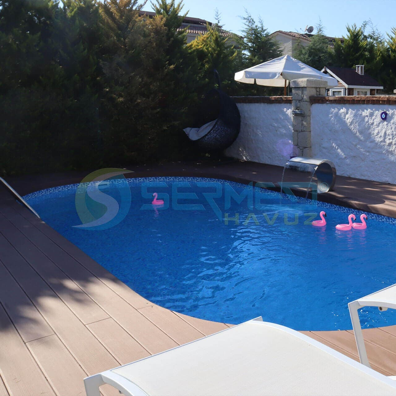 İzmir'de Onur Bey'e Maldiv Zeminüstü Prefabrik Havuz Sermed Havuz Firması tarafından yapıldı.