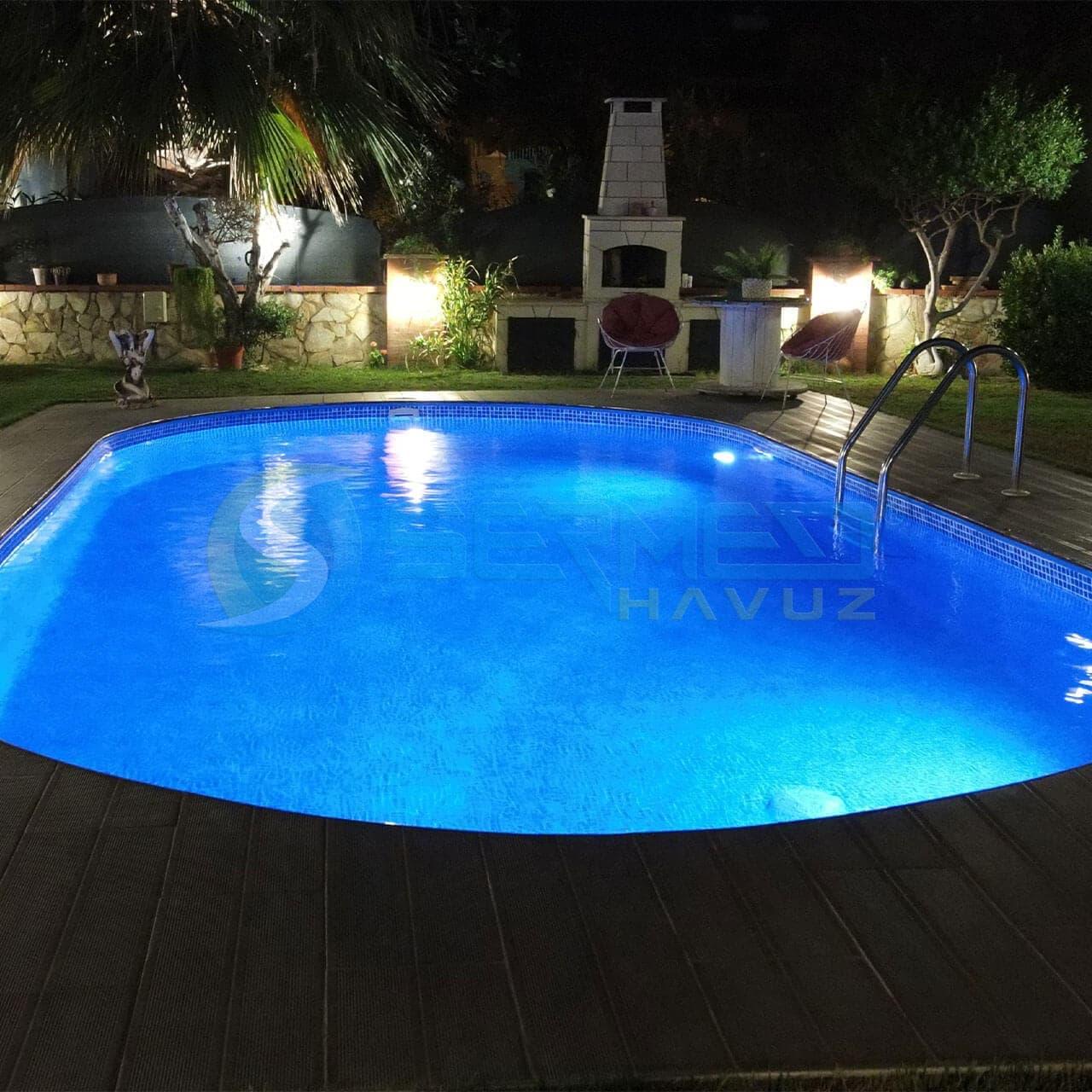 İzmir Hakan Bey Maldiv Skimmerli Prefabrik Havuz Sermed Havuz Firması tarafından yapıldı.