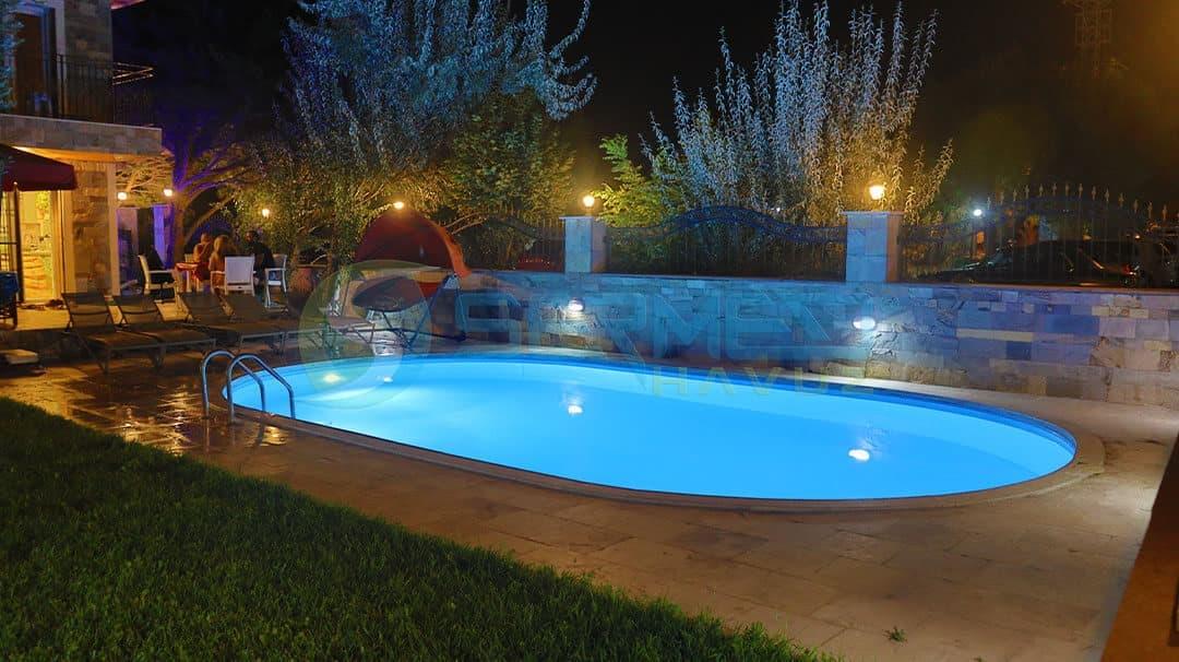İzmir Ali Bey Maldiv Skimmerli Prefabrik Havuz Sermed Havuz Firması tarafından yapıldı.