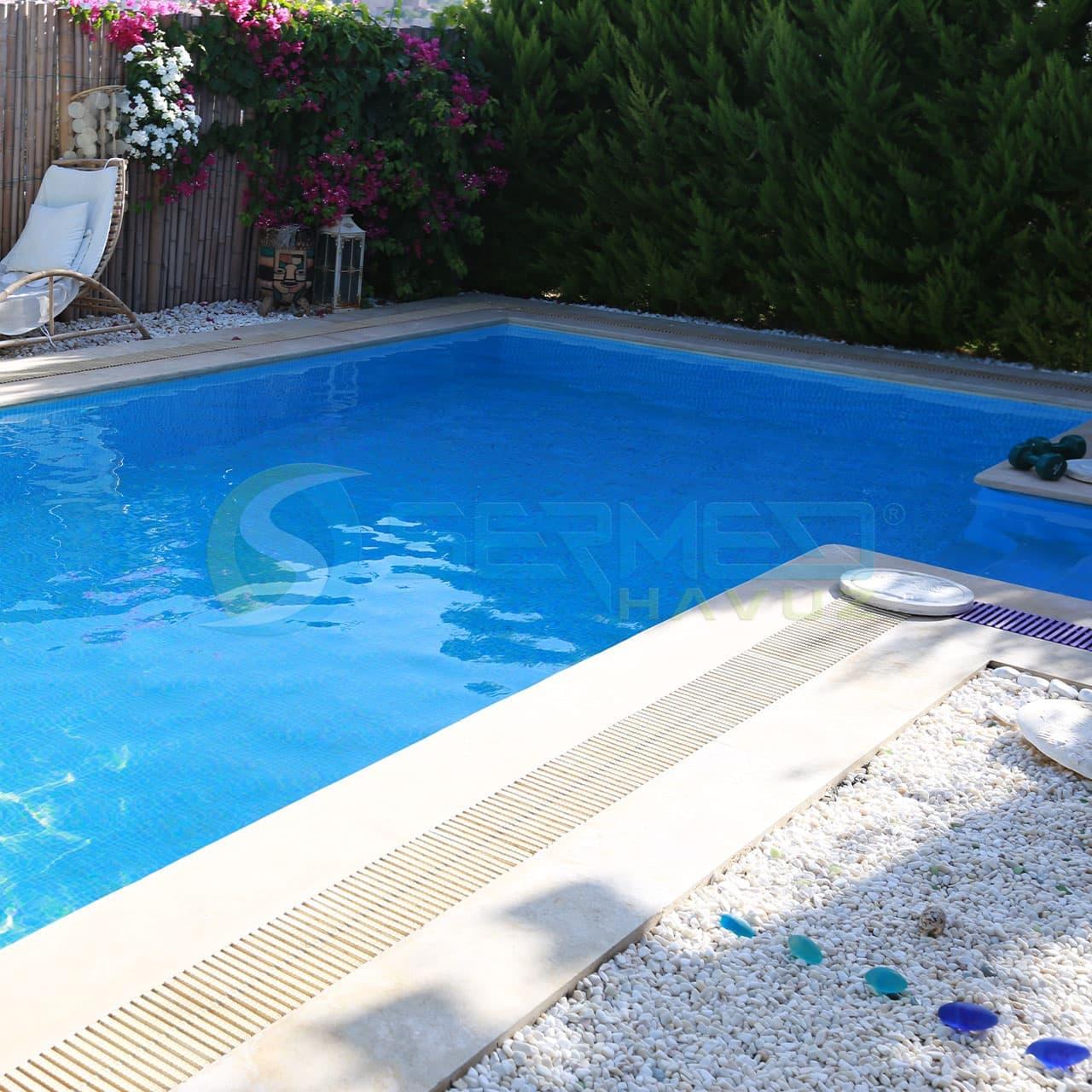 İzmir Fipool Taşmalı Panel Havuz uygulaması Sermed Havuz Firması tarafından yapıldı.