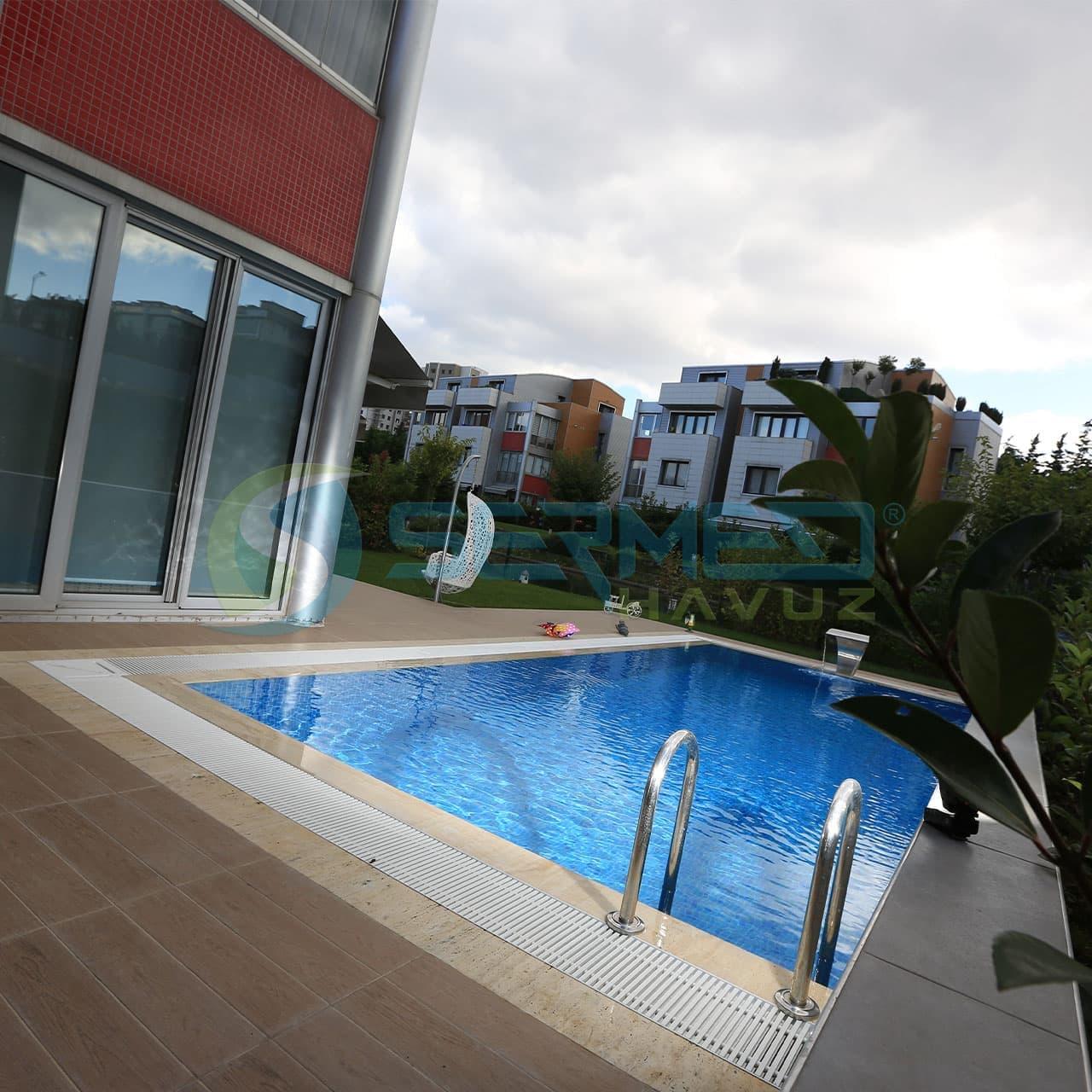 İstanbul'da Lagün Fipool Taşmalı Panel Havuz uygulaması Sermed Havuz Firması tarafından yapıldı.